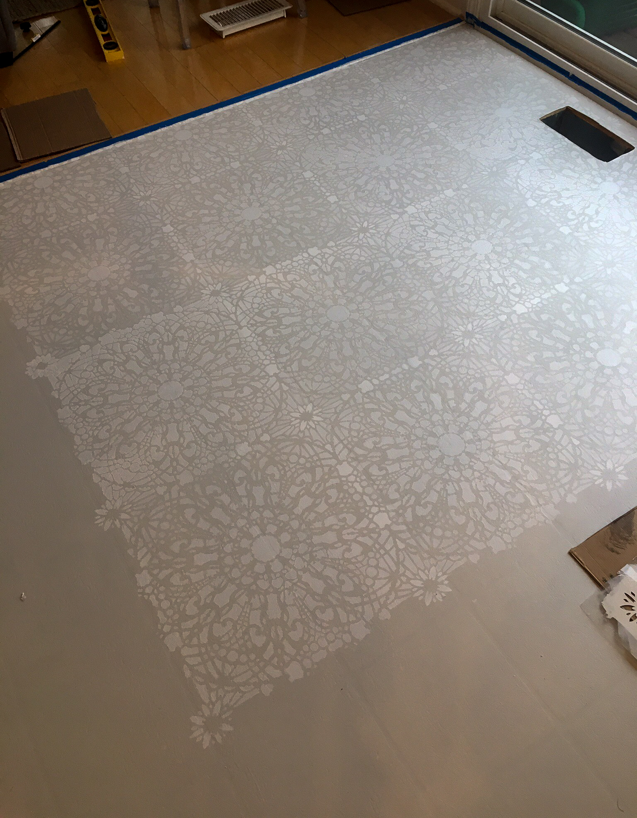 how to paint and stencil your linoleum floor for under $100 budget friendly floor renovation kitchen and bathroom floor renovation ideas